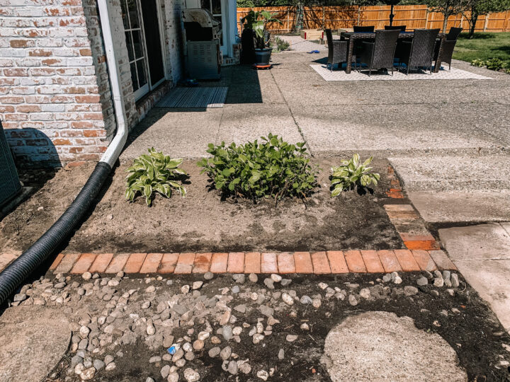 How to install a brick border in your garden