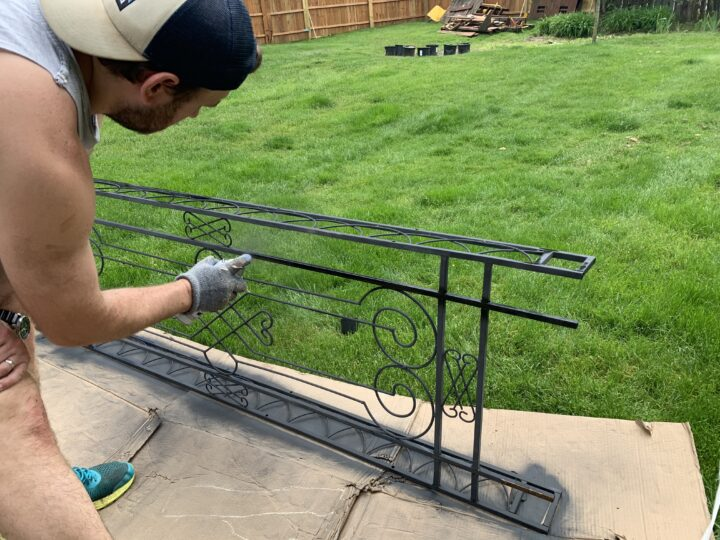 How to spraypaint an iron arbor