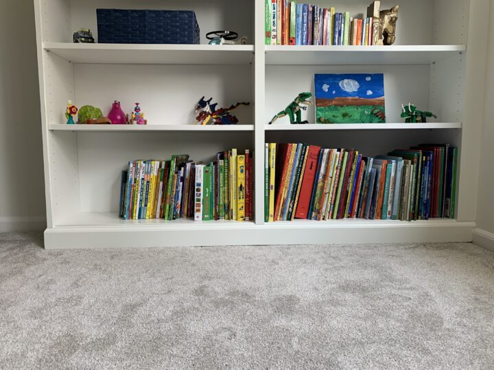 Built-in bookcase DIY