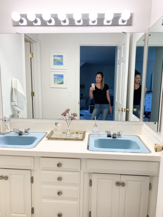 Designing a master bathroom makeover around the original blue sinks and shower tiles | Building Bluebird #vintage #bathroom makeover #retro