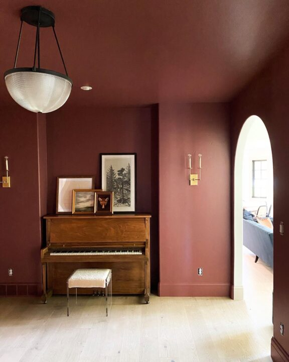My favorite moody paint colors for the home | Building Bluebird #fadingtwilight #benjaminmoore #clj