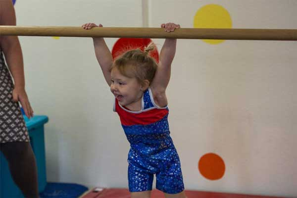 byers-Preschool-child-gymnastics-bars