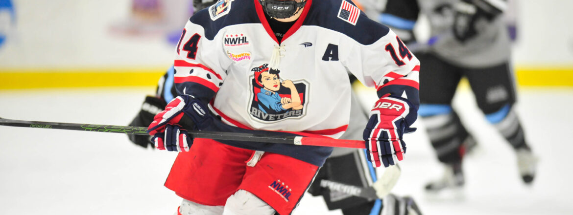 Madison Packer Re-Signs With Riveters