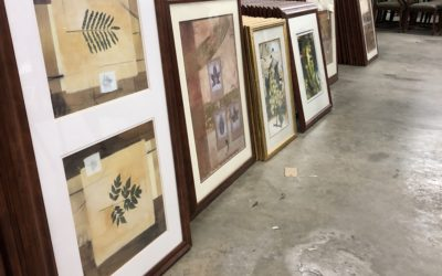FREE PICTURE FRAMES WITH GLASS