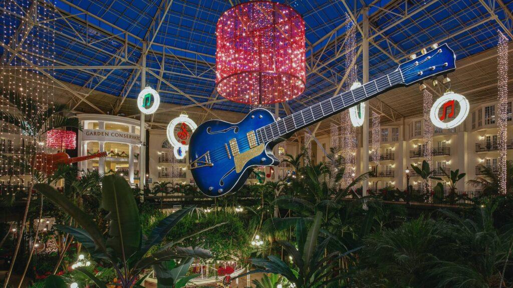 A romantic Christmas getaway at Opryland