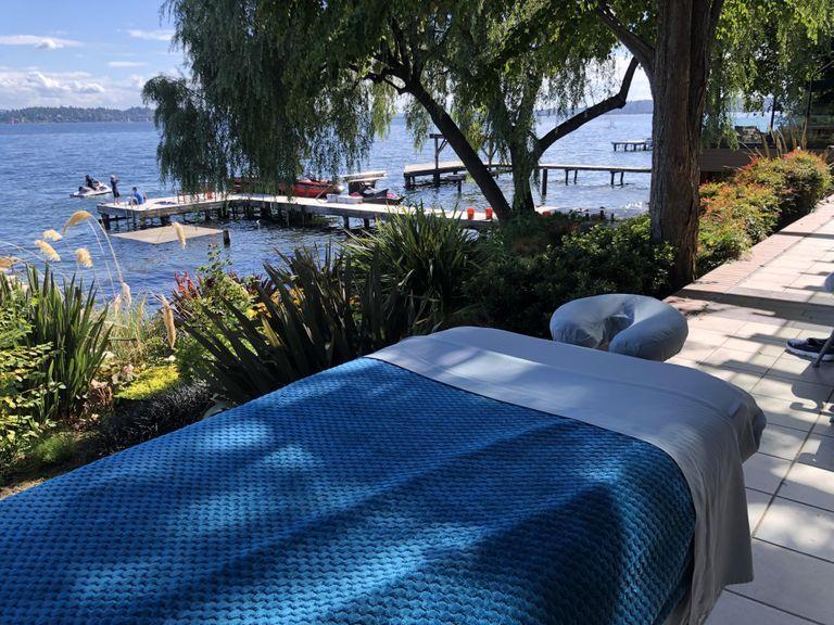 Outdoor massage at lake 2