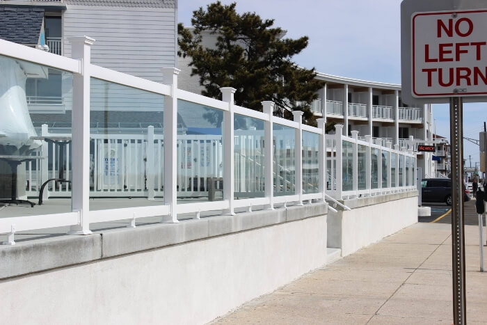 glass railing gallery7 resize