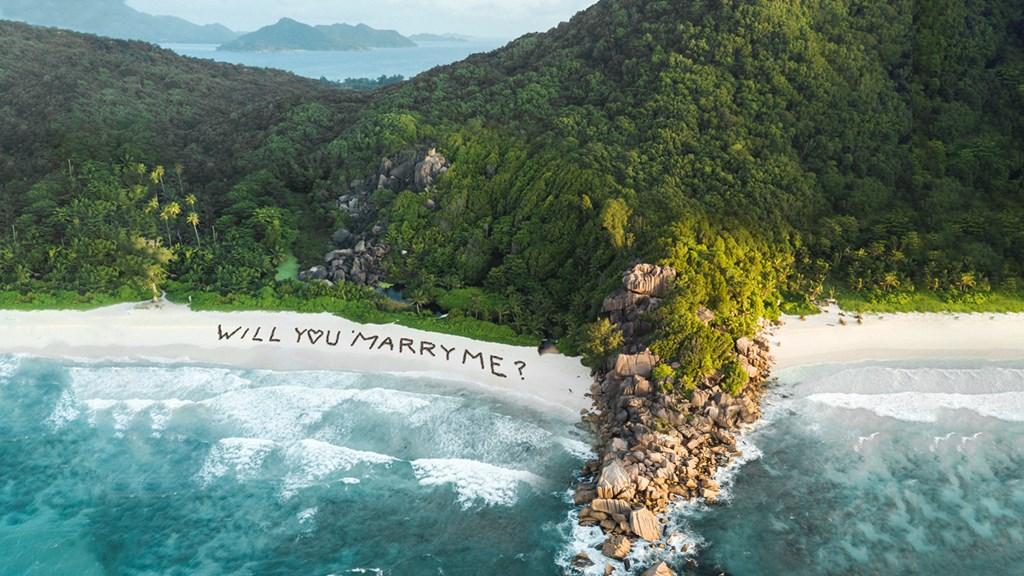 Bubbly Moments by Kempinski Seychelles Resort proposal