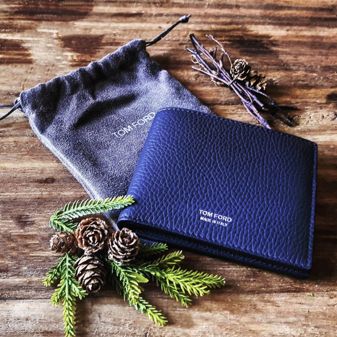 A concise guide to Christmas gifting TOM FORD wallet