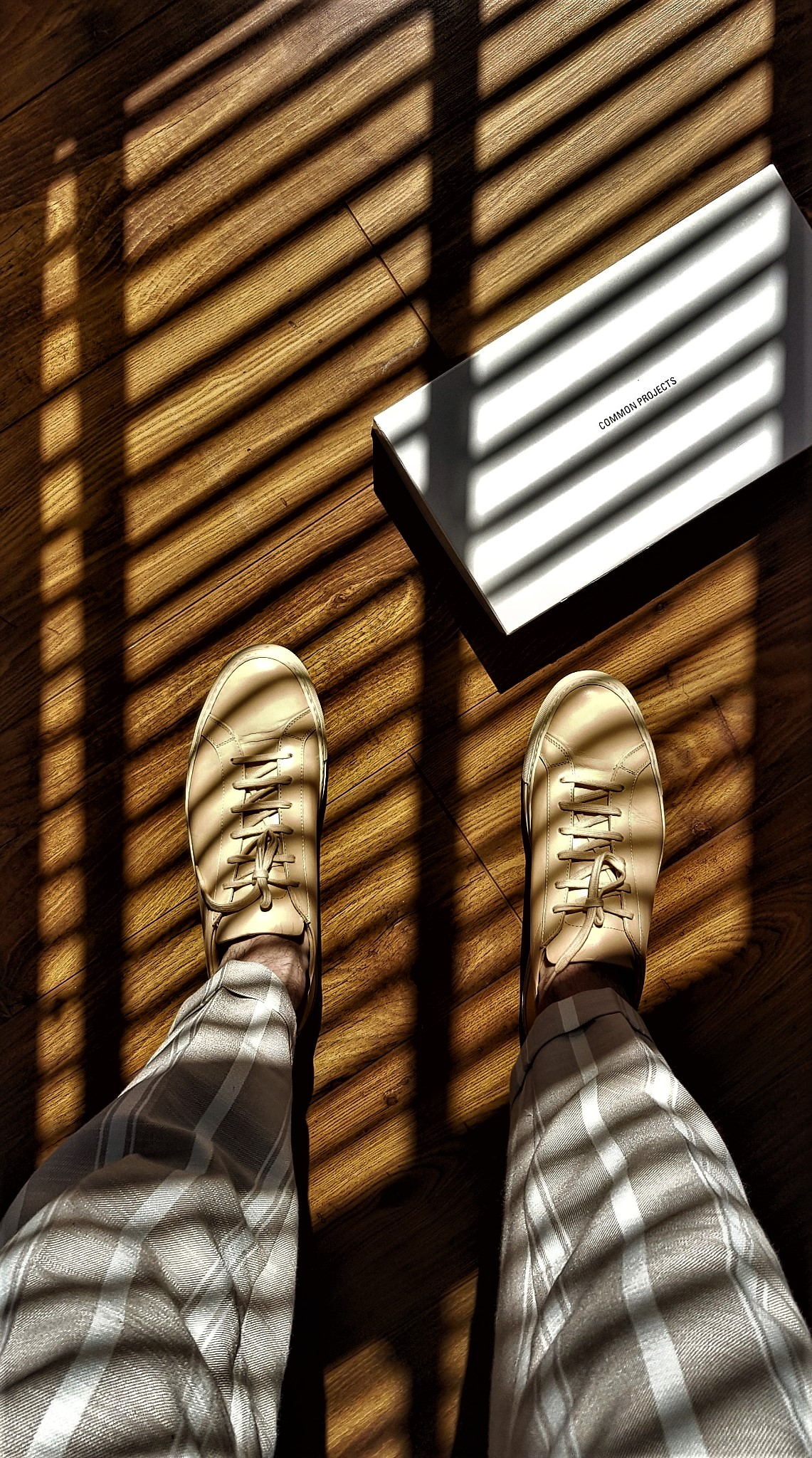 Summer sneakers with Common Projects minimal