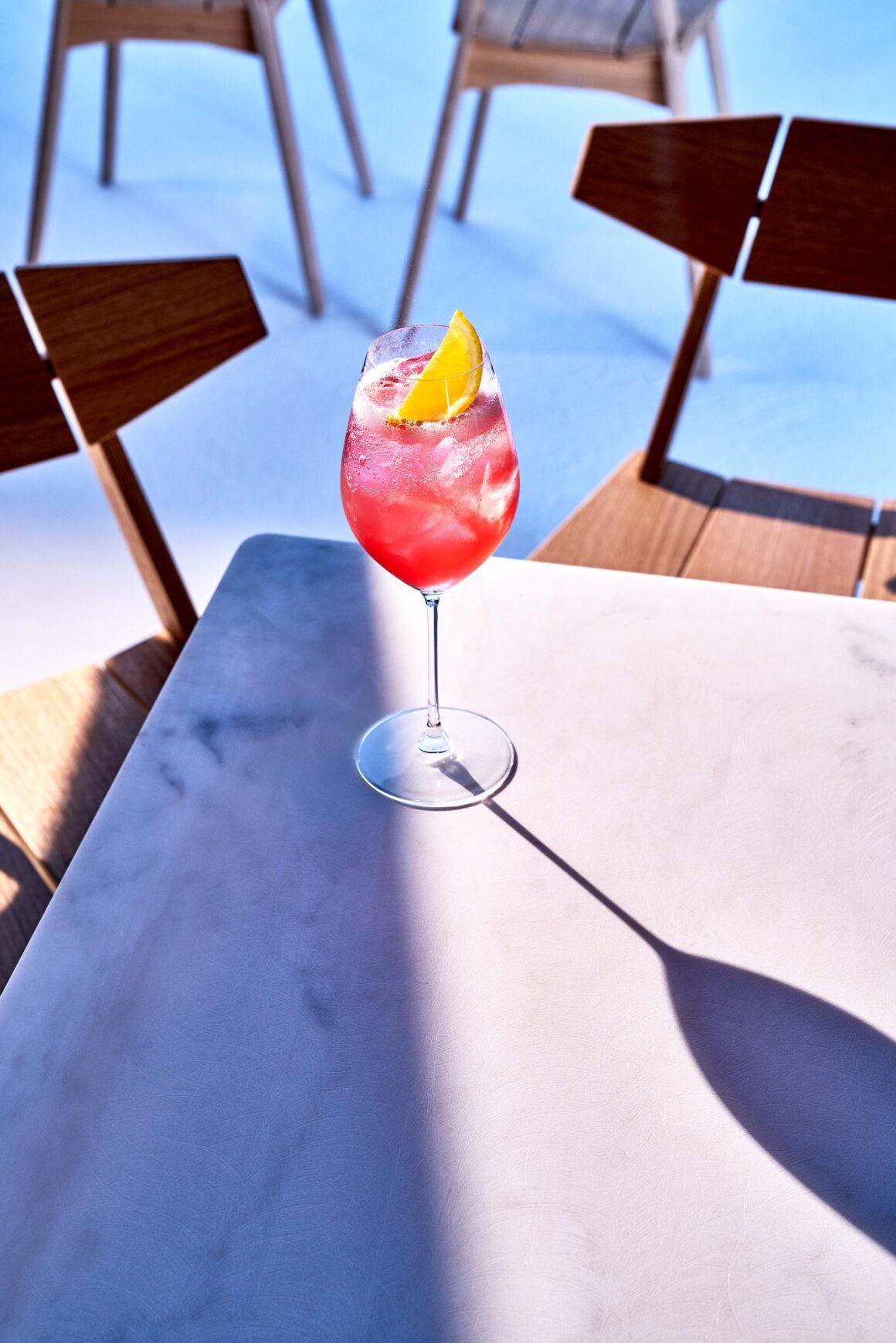 Best Summer Spritz Sippers - Bombay Sapphire Rose Spritz