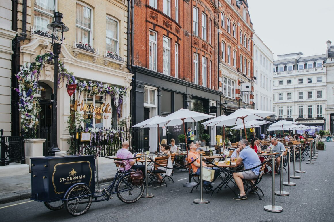 Alfresco drinking in London - St-Germain x Henrietta
