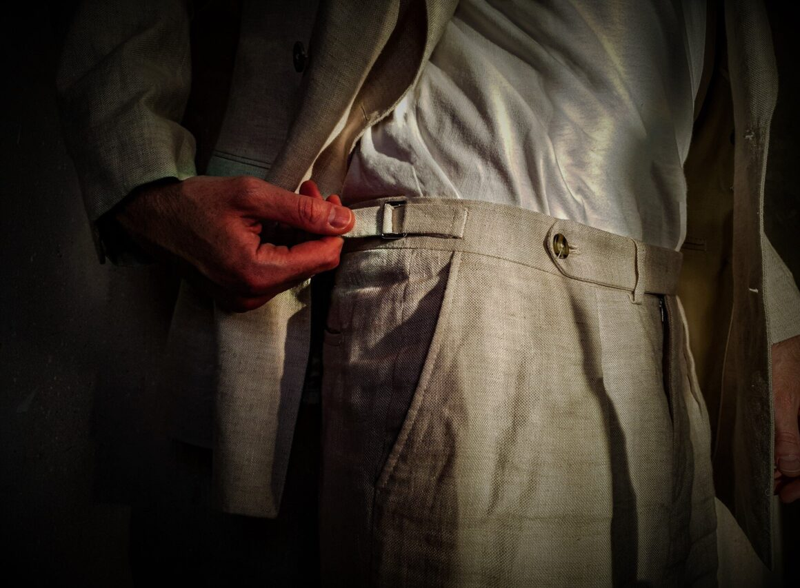 Hawes and Curtis Linen Pleated trousers - Off The Cuff LDN