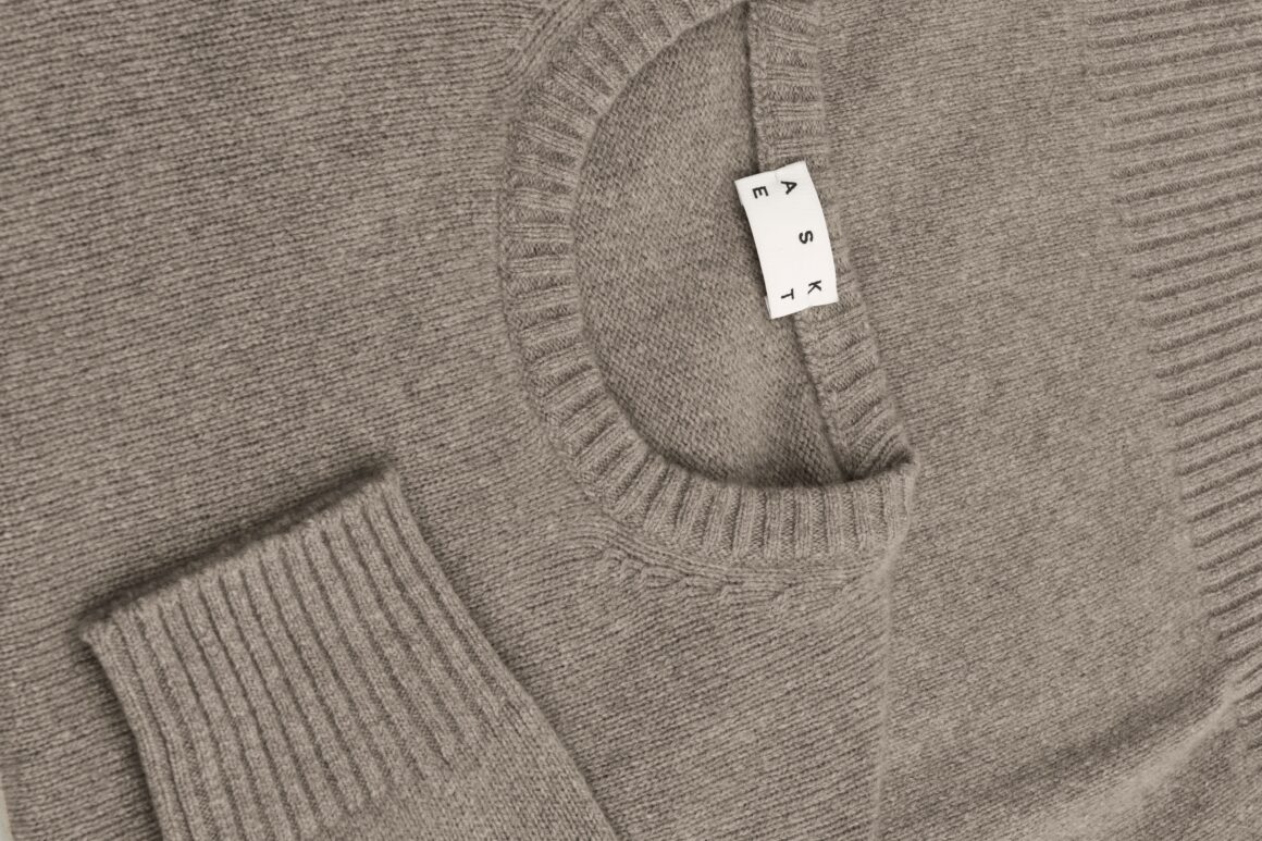 Buy Less, Shop Sustainably - ASKET Cashmere Light Brown