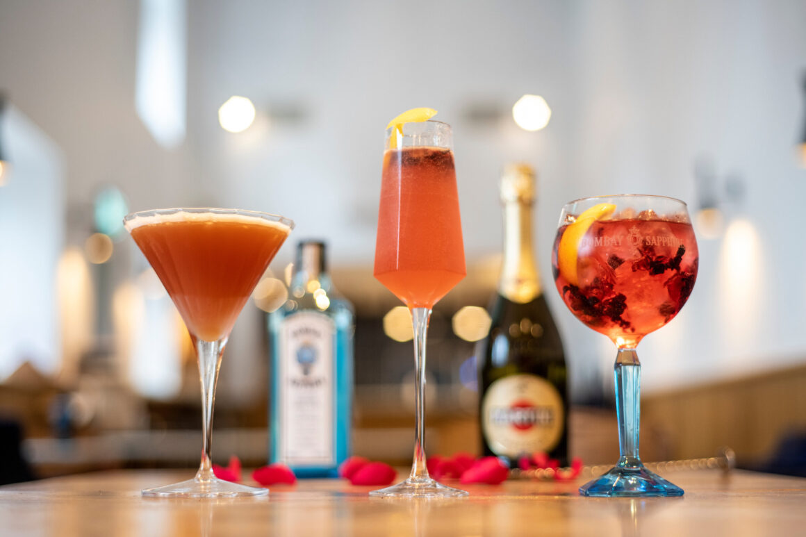 Enjoy a one-of-a-kind Valentine's Day soirée with BOMBAY SAPPHIRE