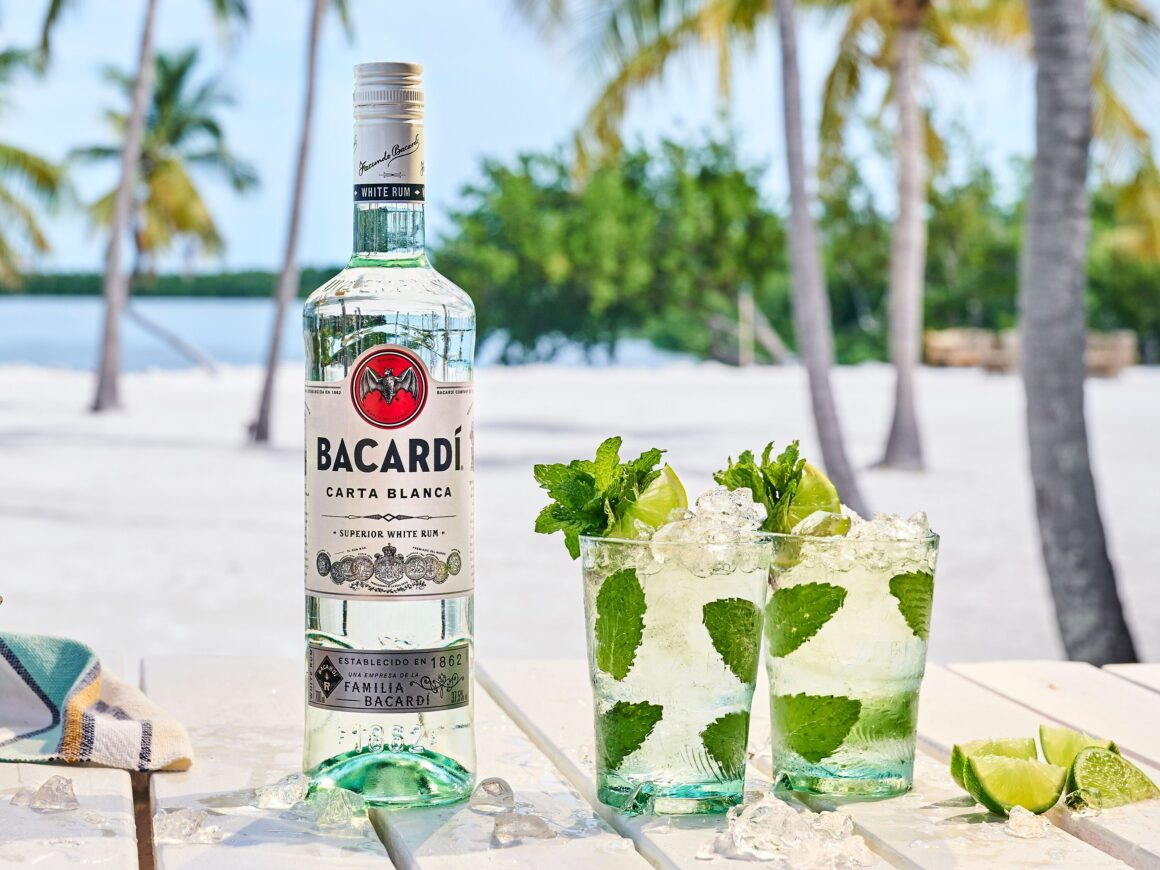 Tips on pre-batching alfresco cocktails - Bacardi Mojito