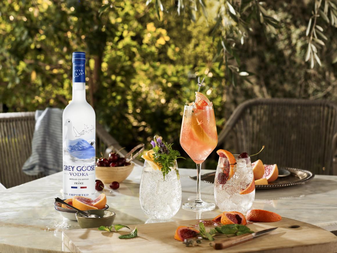 Tips on pre-batching alfresco cocktails - Grey Goose Le Grand Fizz A La Russe