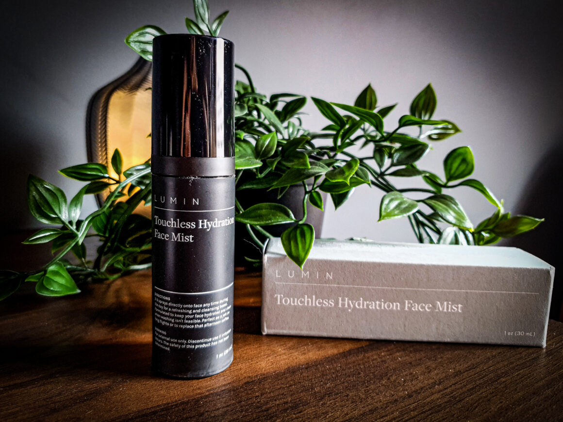 Looking after your skin with Lumin Skincare - Lumin Touchless Hydration Face Mist
