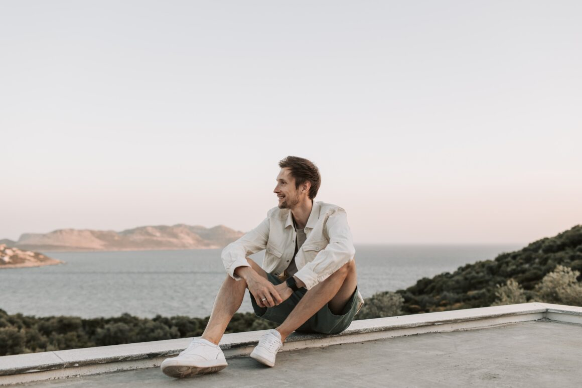Men's Fashion Guide For Your Next Holiday