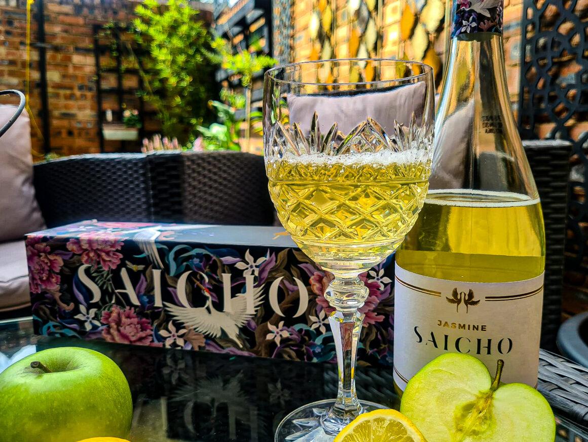 A Refreshing Summer Sip With Saicho Sparkling Tea Hojicha
