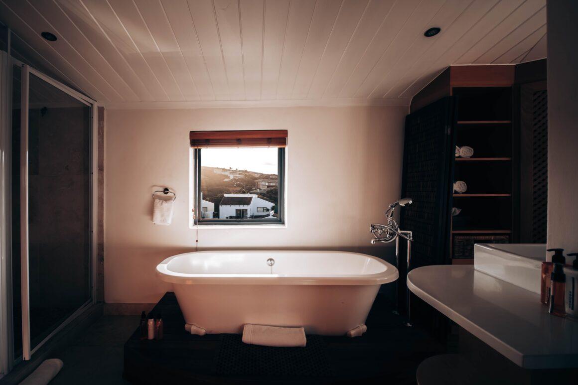 The Minimalist Bathroom