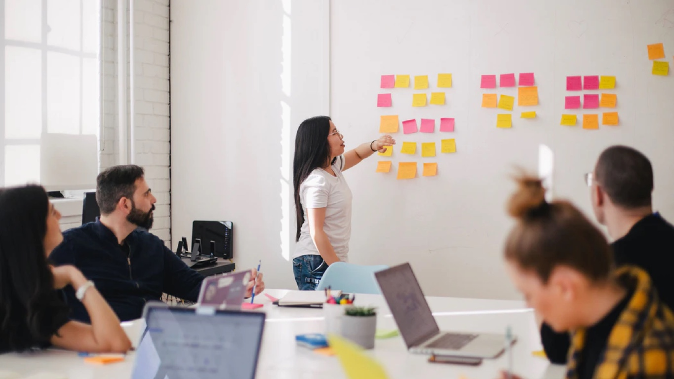 How to Create a Successful Internship Program At Your Company