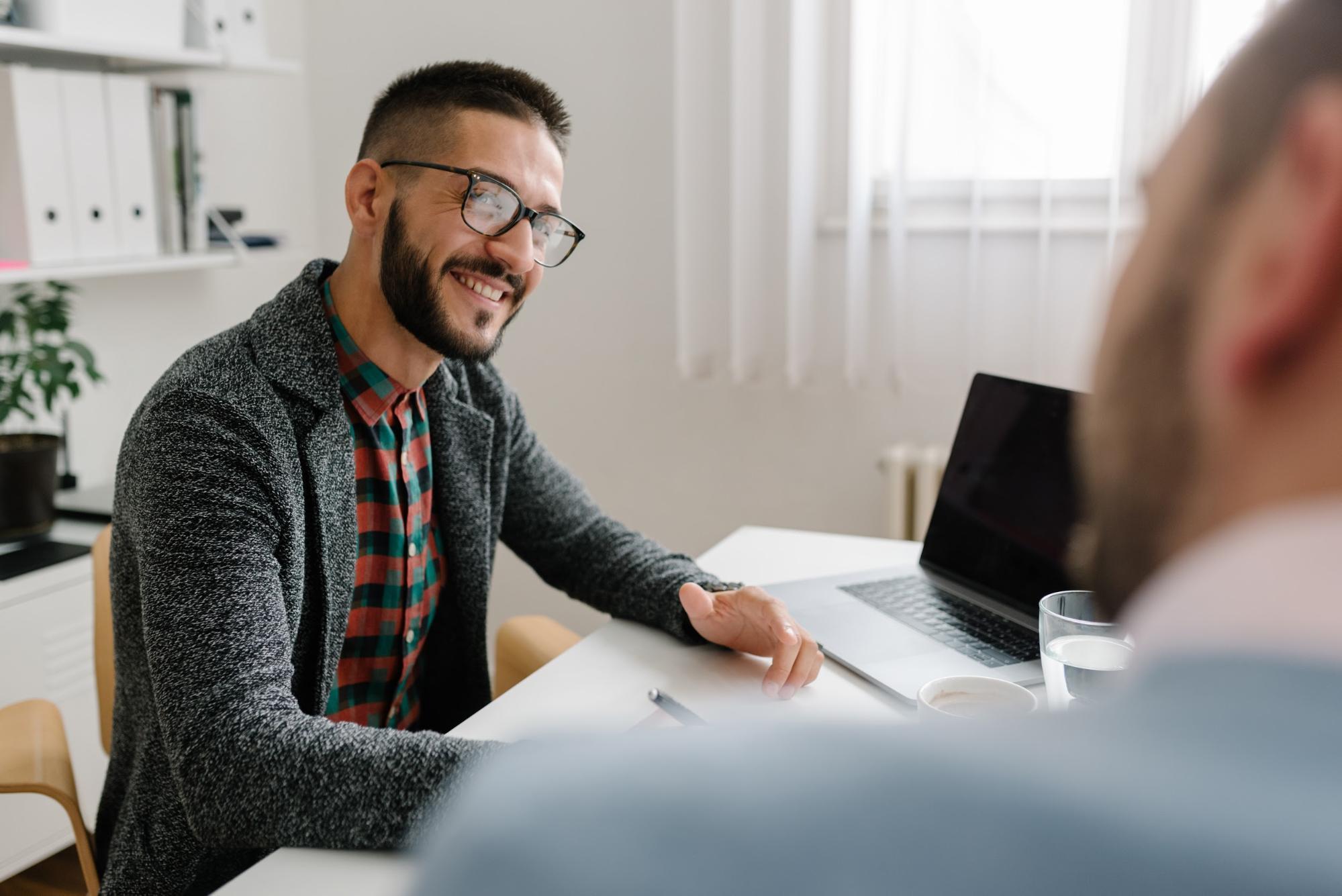 Human resource internships: Man talking to applicant