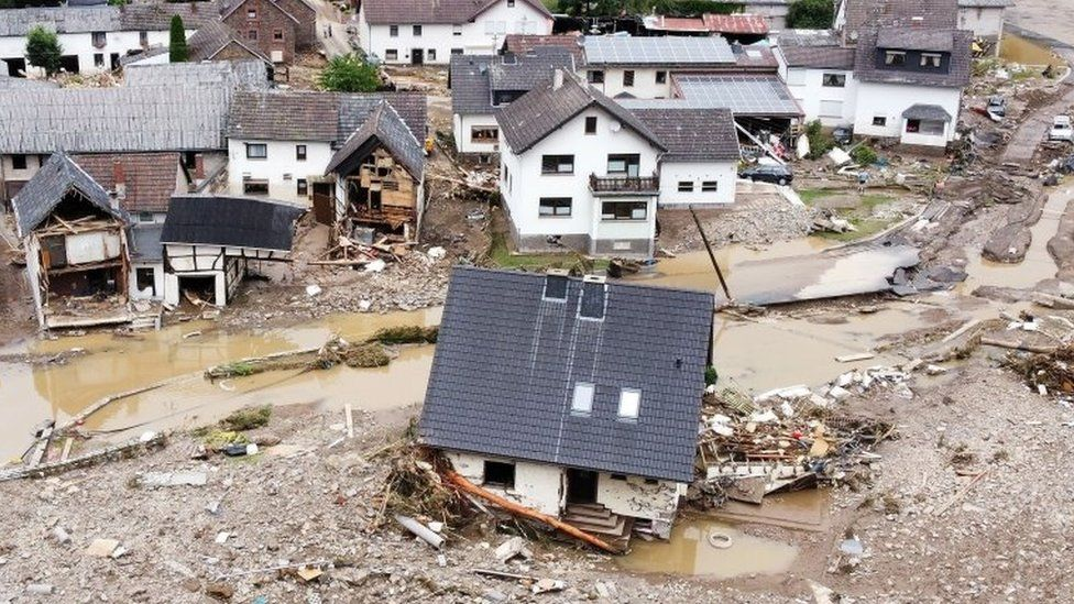 Almanya'da sel yüzünden 174 kişi öldü