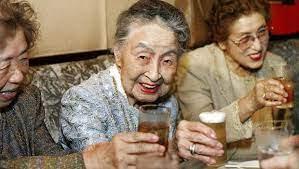 Her 1,450 Japon'dan biri 100 yaşın üzerinde