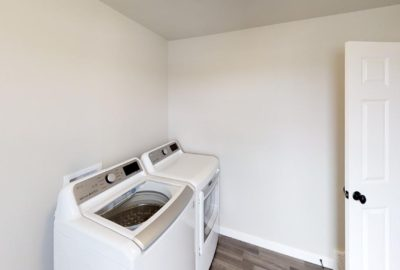 6643-56th-Ave-South-Laundry