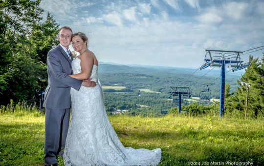 off camra flash was used to creat this stunning wedding portrait at a southern NH wedding