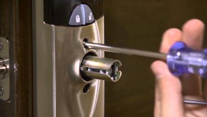 Las Vegas Commercial Locksmith Door Handle Example.
