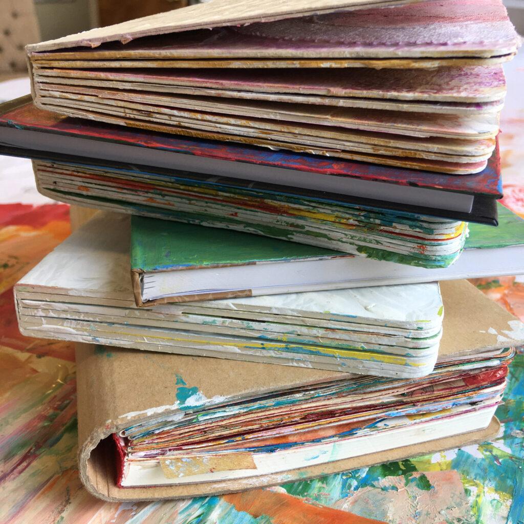 How to Pick an Art Journal