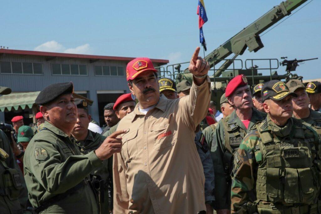 El régimen de Nicolás Maduro está amenazando a los familiares de los militares detenidos en Venezuela