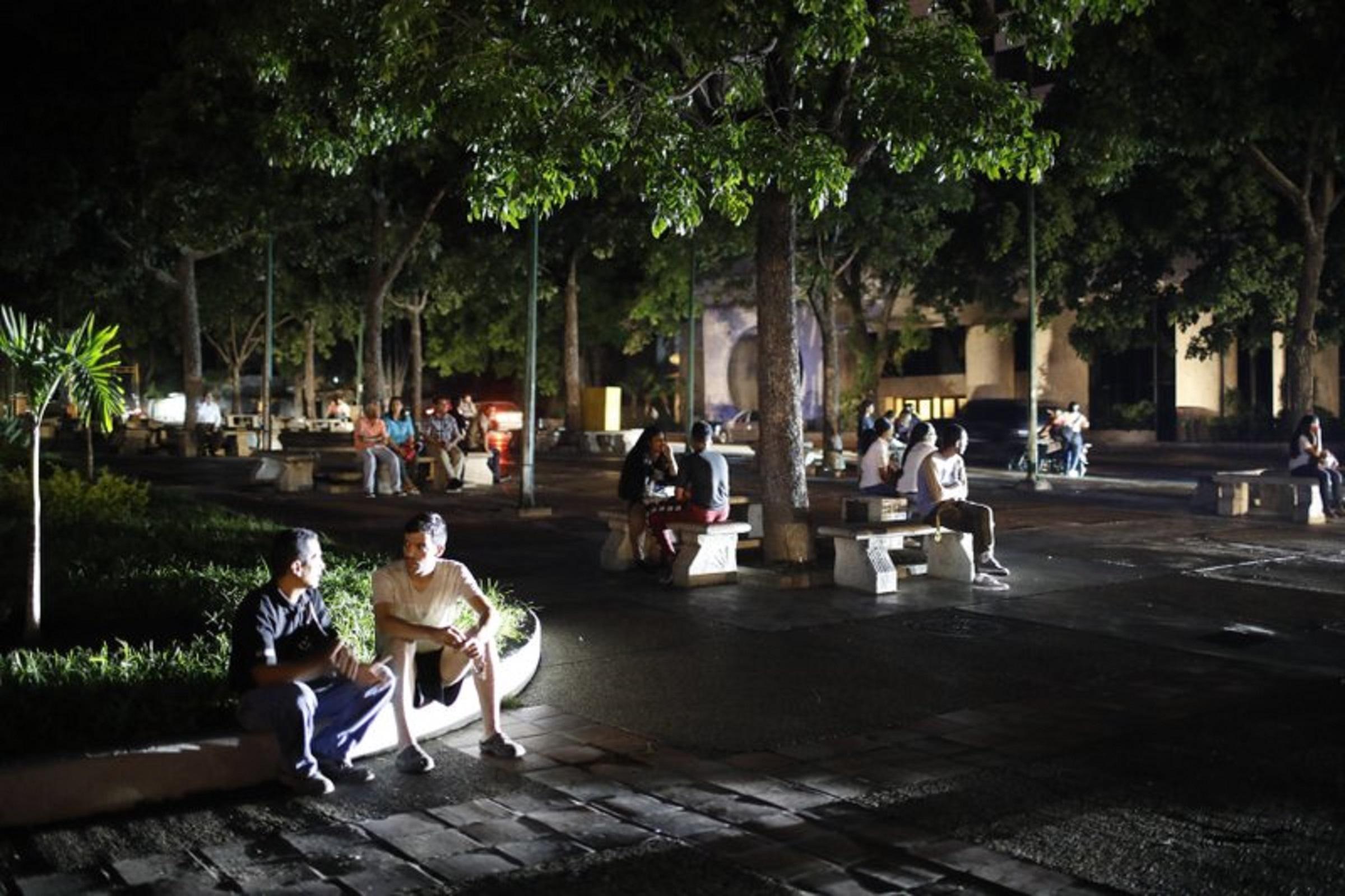 Apagón en Venezuela lleva más de 15 horas