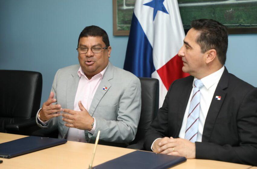 Ministerio de Cultura y Aeropuerto apoyan  la cultura de   panameña