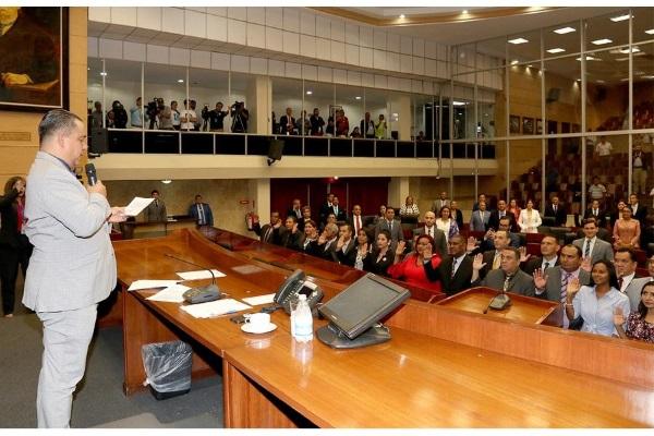 La pobreza política e intelectual de los diputados panameños
