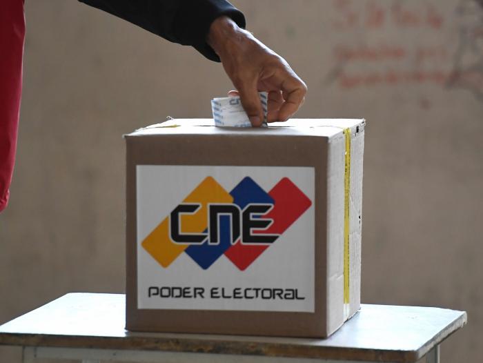 Venezuela sigue esperando conocer el resultado final de las elecciones