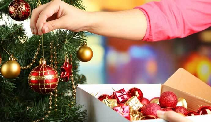 Guardando y preservando los adornos navideños