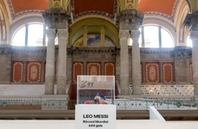 Adidas y Leo Messi regalan las botas del récord al Museu Nacional D´art de Catalunya