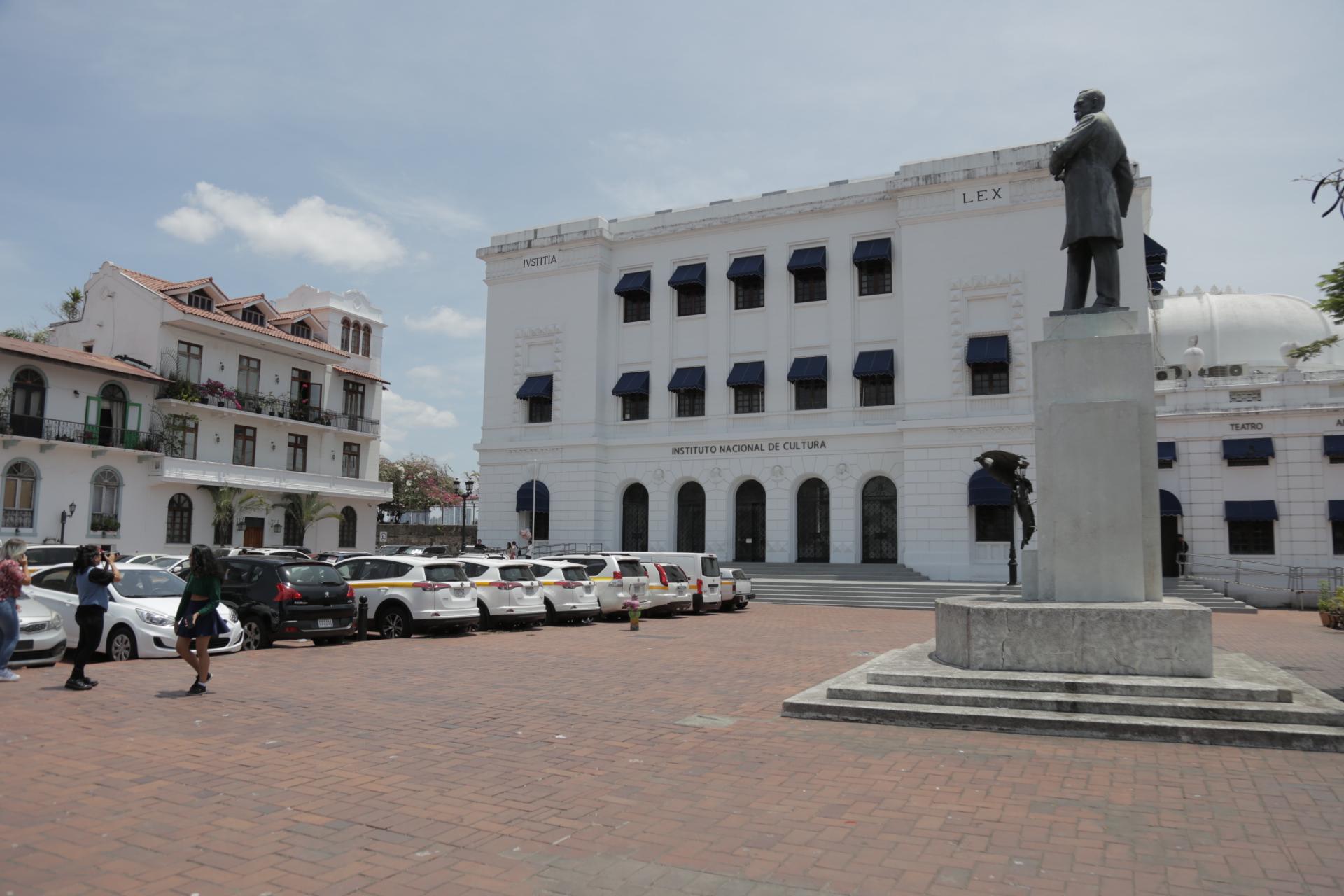 Investigan al Ministerio de Cultura por contrataciones sobre servicios