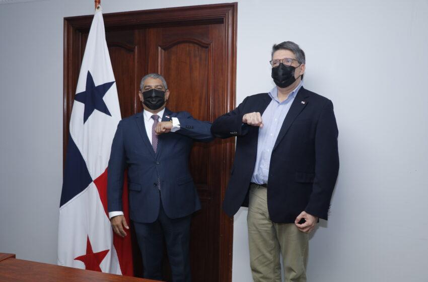 Antonio Ducruet toma posesión como  director del IDAAN