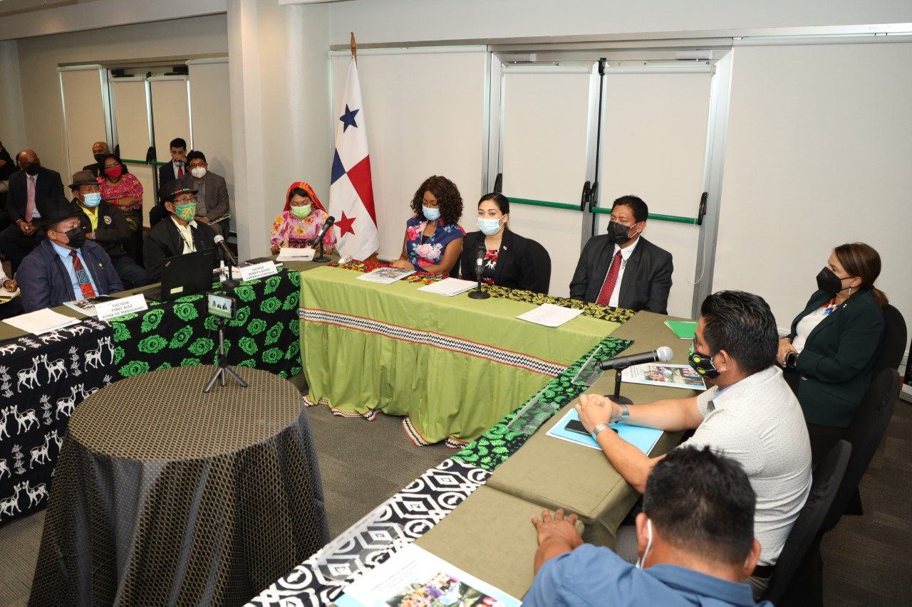 Analizan avances del plan de desarrollo integral de los Pueblos  Indígenas