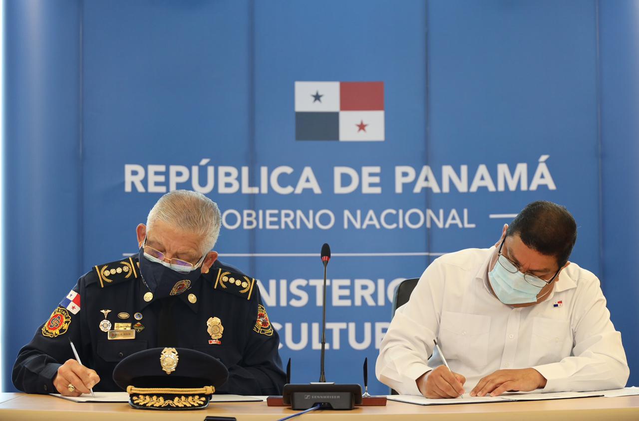 Bomberos y MiCultura firman convenio interinstitucional de asistencia educativa