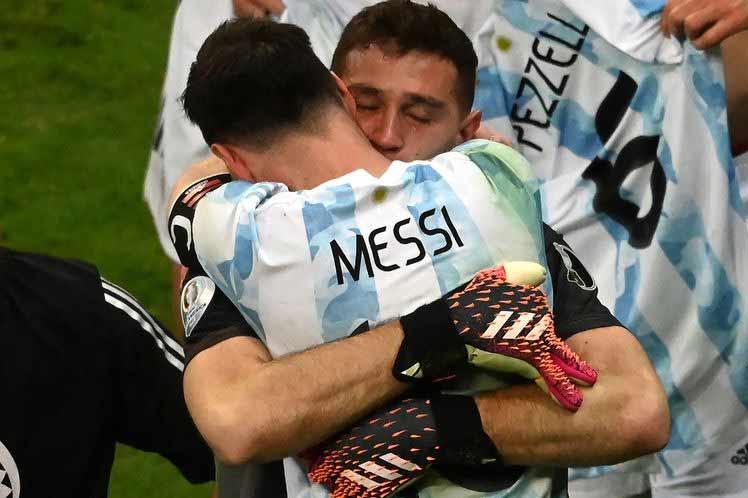 Argentina y Brasil esperan duelo por final de Copa América