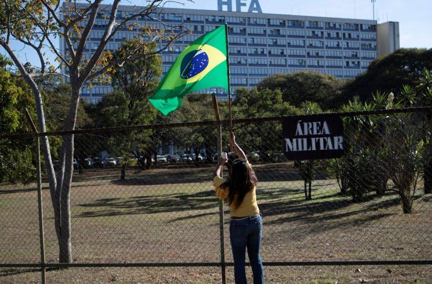 Presidente Bolsonaro se recupera de  salud en un hospital de Sao Paulo