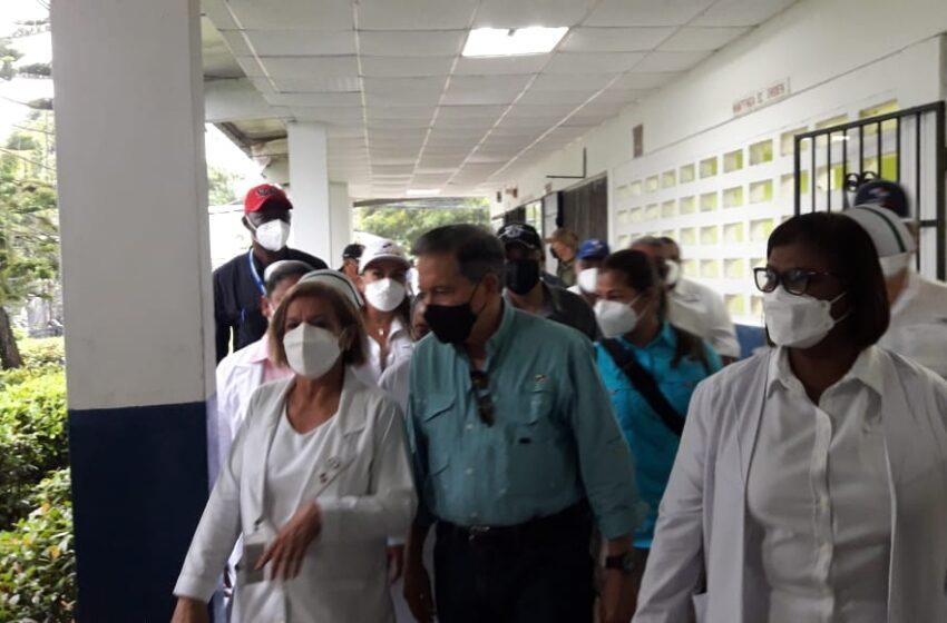 Presidente Laurentino Cortizo verifica proceso de vacunación en Coclé