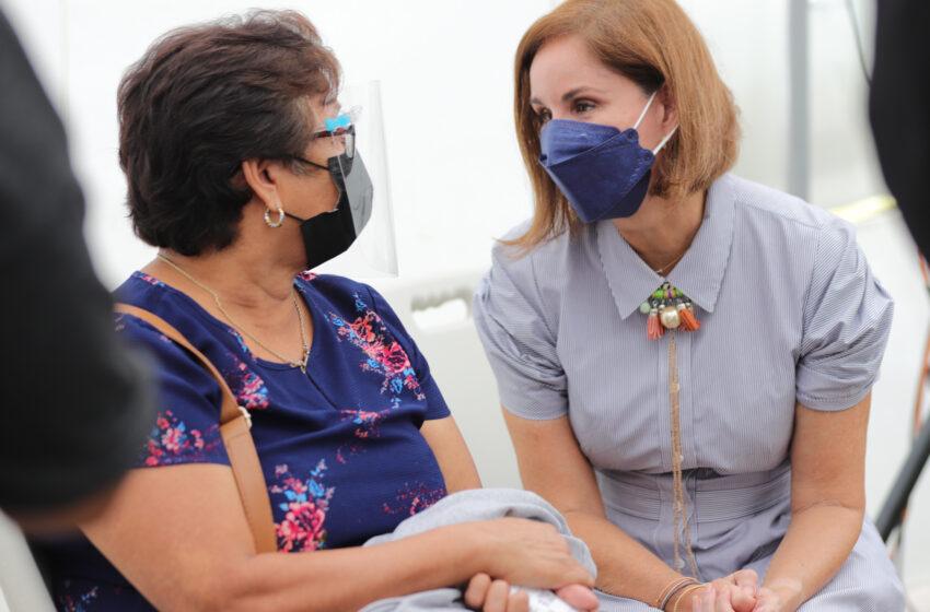 Primera Dama entrega donación al Instituto Oncológico Nacional