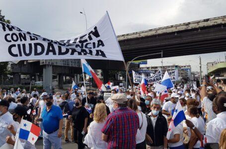 Presidente del CD participa en vigilia cívica que rechaza reformas electorales