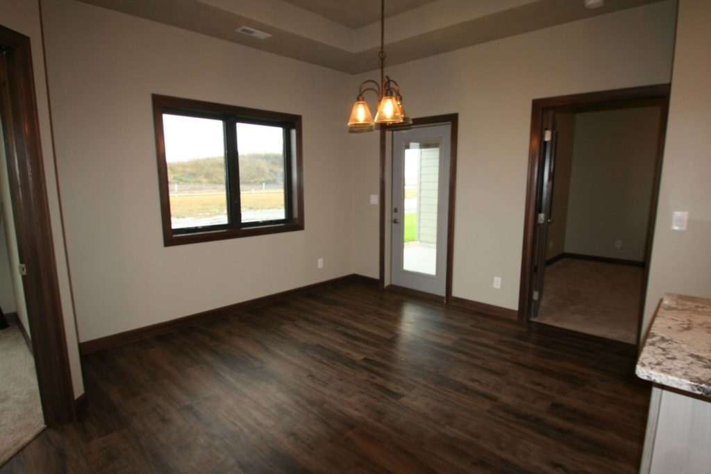 1902 S Sonoma home for sale in Sioux Falls dining area.